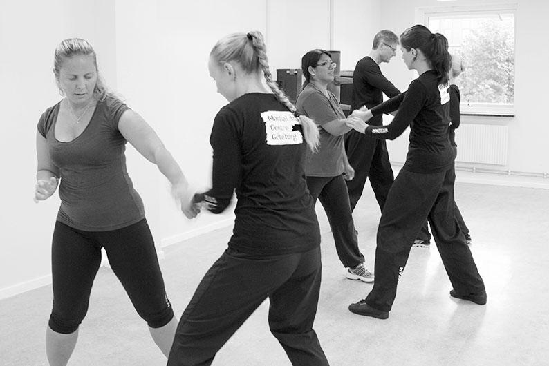 Kurs i kvinnligt självförsvar